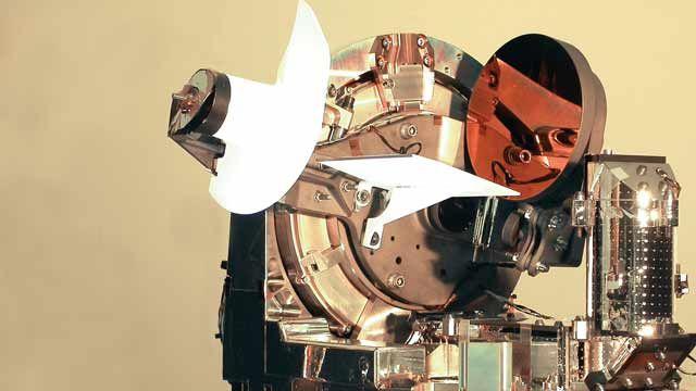Astrium에서 세계 최초의 양방향 레이저 광학 링크 생성.