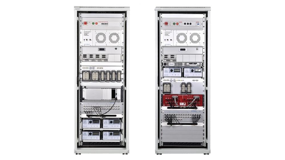 완전한 Speedgoat 랙 설정. 이 설정은 hardware-in-the-loop 테스트 벤치를 사용하여 트랙터 제어기의 테스트를 자동화하는 데 사용되었습니다.