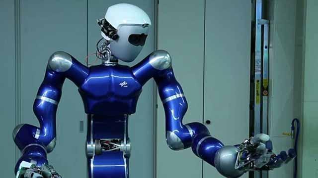 연구원들은 Model-Based Design과 MATLAB 및 Simulink를 사용하여 자율 로봇을 위한 복잡한 제어 알고리즘을 개발하고 자동으로 코드를 생성합니다.